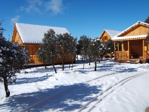 Caba as rurales y bungalows con encanto alquiler for Camping en leon con bungalows y piscina